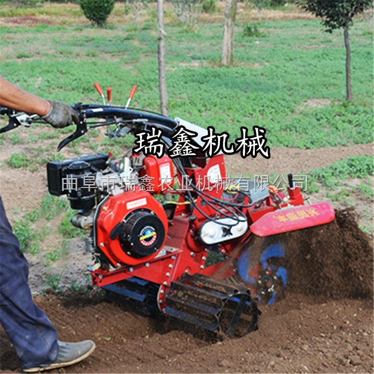 大葱柴油开沟培土机