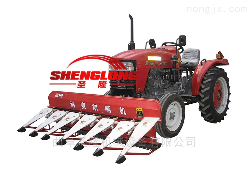 拖拉机带动高效率割草机