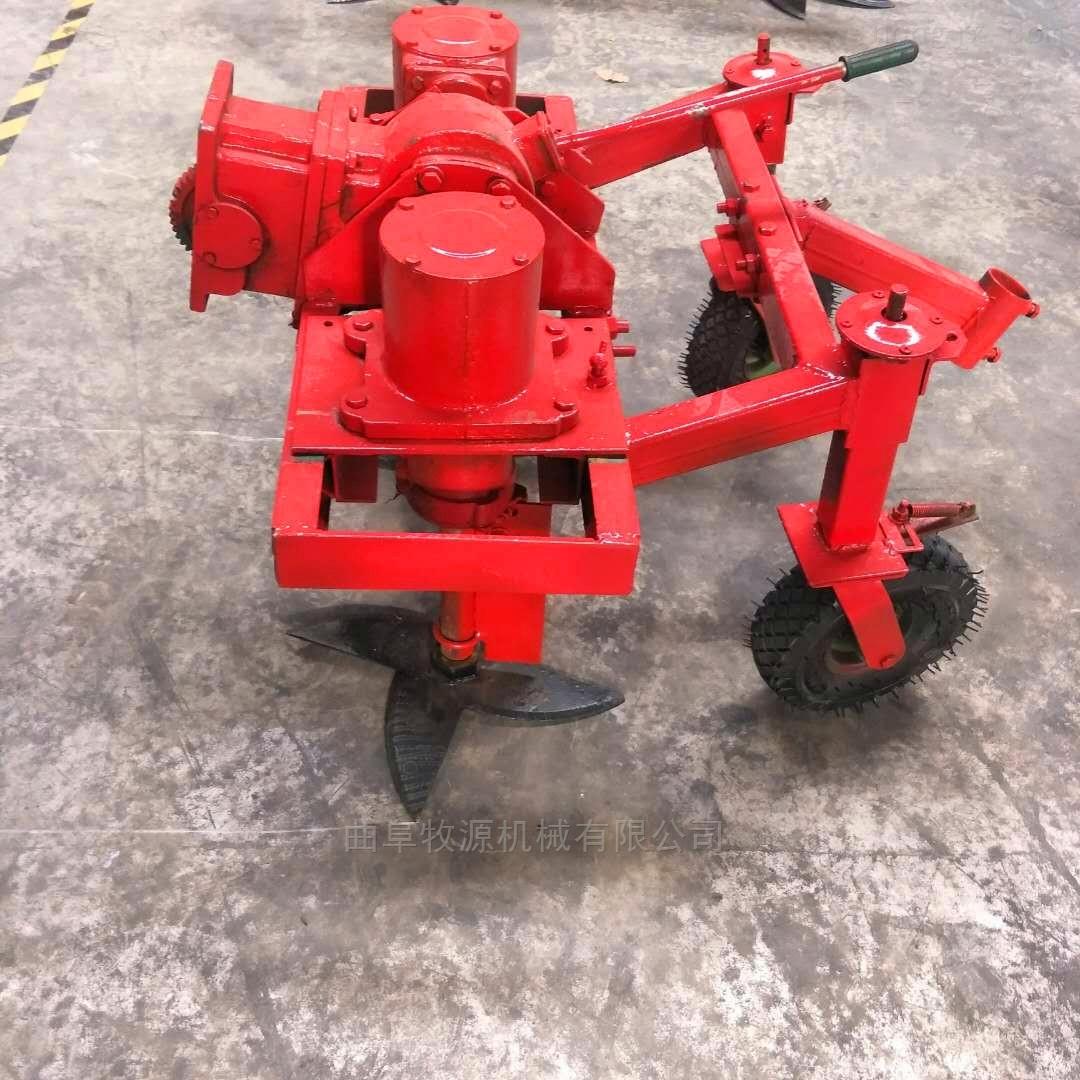 拖拉机带动大蒜收获机
