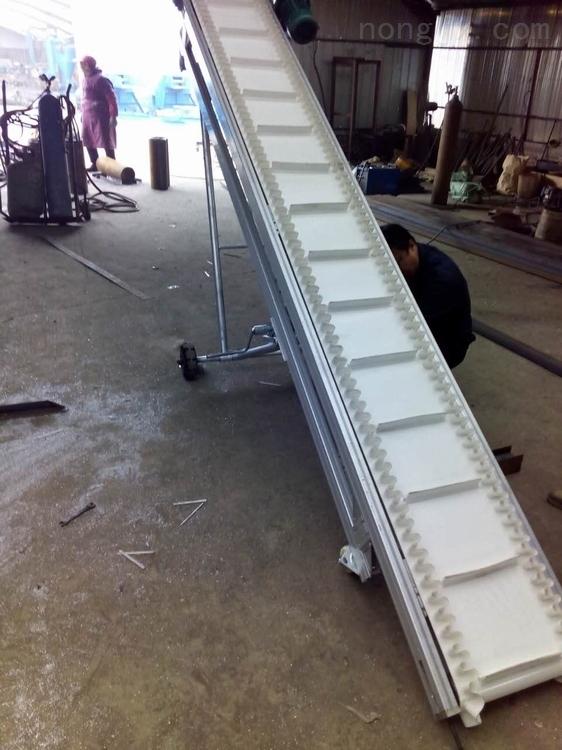 大倾角波纹挡边输送带专业生产 机场行李装卸车输送机波状挡边输送机