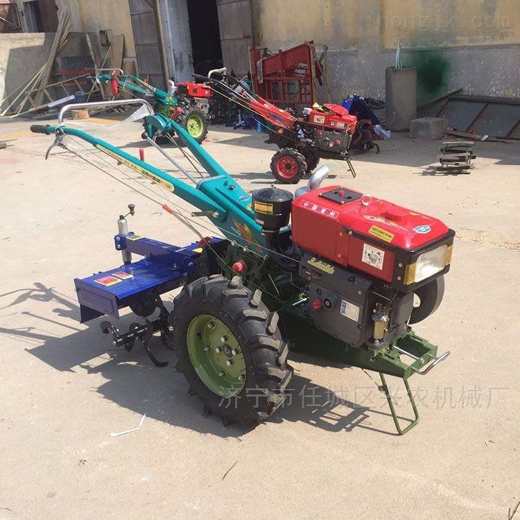 田地松土机农用拖拉机